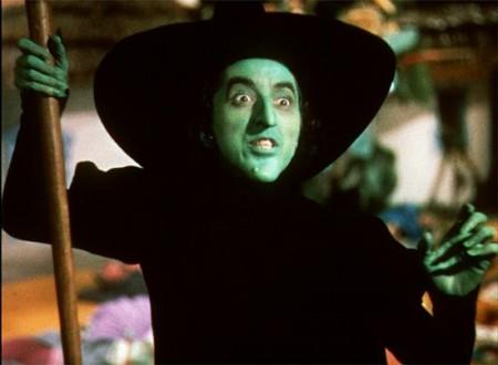 Margaret Hamilton interpretando a Elphaba