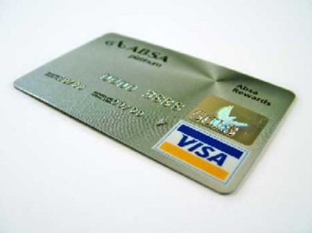 Tarjeta de Credito o Debito, un requisito.