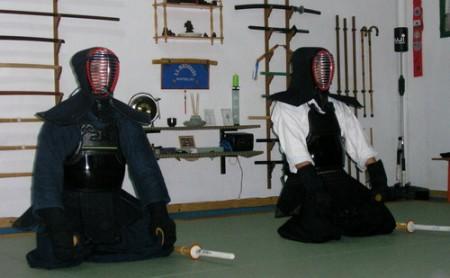 Un dojo de Kendo, y unos cuantos aprendices.