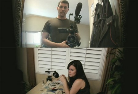 Micah con su cámara y Katie haciendo sus enchaquirados