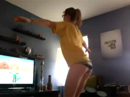 Chica Wii Fit