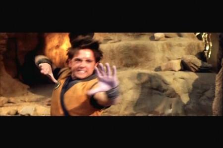 Goku enojado con el director de la película